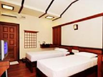 Lucky Dragon Hotel: guest room