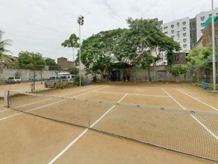 Hotel Atchaya Chennai - Badminton Court