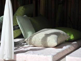 The Governors House Boutique Hotel Phnom Penh Phnom Penh - Poolside Massage