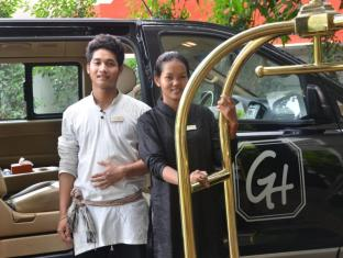 The Governors House Boutique Hotel Phnom Penh Phnom Penh - Airport shuttle