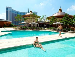 Holiday Inn Macao Cotai Central Macao - Swimmingpool