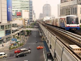 Four Points by Sheraton Bangkok Sukhumvit 15 Hotel Bangkok - Surroundings