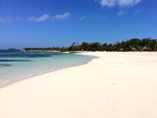 /viwa-island-resort-fiji/hotel/yasawa-islands-fj.html?asq=vrkGgIUsL%2bbahMd1T3QaFc8vtOD6pz9C2Mlrix6aGww%3d