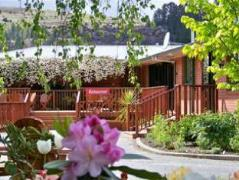 Lake Roxburgh Lodge   New Zealand Budget Hotels