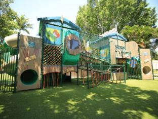 Ashmore Palms Holiday Village Gold Coast - Maccas Madhouse