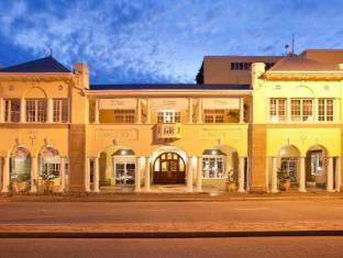 /hr-hr/queens-hotel/hotel/oudtshoorn-za.html?asq=jGXBHFvRg5Z51Emf%2fbXG4w%3d%3d