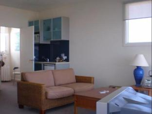Wytonia Beachfront Accommodation Port Fairy - Guest Room