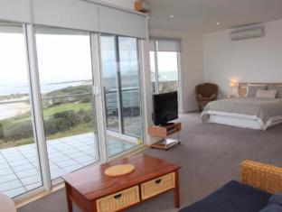 Wytonia Beachfront Accommodation Port Fairy - Golf Course