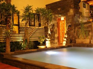 S8酒店 巴厘岛 - 游泳池