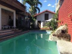 Hotel in Philippines Angeles / Clark   Regenbogen Inn
