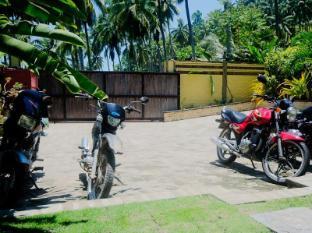 Samal Island Huts Davao City - Viesnīcas ārpuse