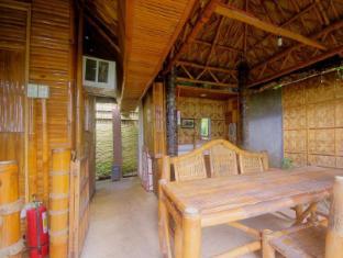 Samal Island Huts Davao Stadt - Balkon/Terrasse