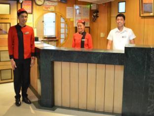 Hotel Sogo LRT Monumento Stn Manila - Lobby