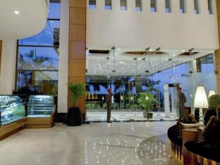 Radisson Blu Hotel Noida Delhi NCR New Delhi and NCR - Entrance