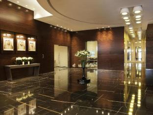 /ro-ro/cosmopolitan-hotel-dubai/hotel/dubai-ae.html?asq=m%2fbyhfkMbKpCH%2fFCE136qZbQkqqycWk%2f9ifGW4tDwdBBTY%2begDr62mnIk20t9BBp