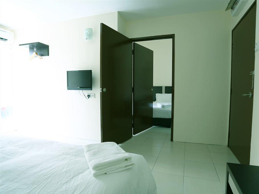 ND ホテル13