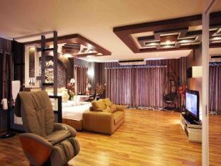 KTK Regent Suite Pattaya - Executive Suite with Bathtub & Massage Chair