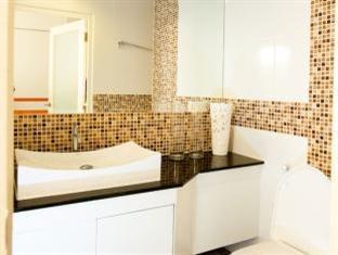 R-Con Blue Ocean Hotel Pattaya - Nemo - Bathroom