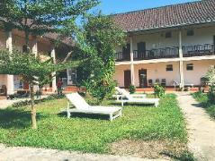 Hotel in Vang Vieng | Backpacker Riverside Guesthouse