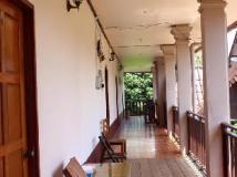 Backpacker Riverside Guesthouse: interior