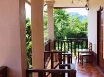 Backpacker Riverside Guesthouse: balcony/terrace