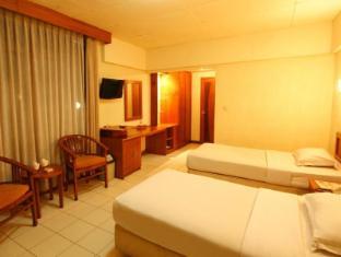 Hotel Pardede Ariandri Group Puncak - Kamar Tidur