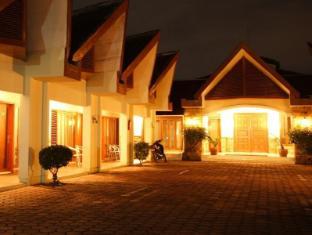 Hotel Pardede Ariandri Group Puncak - Tampilan Luar Hotel