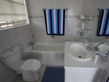 South Africa Hotel Accommodation Cheap   bathroom
