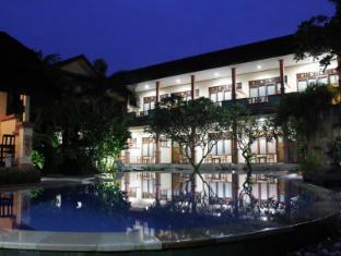 バリディバ ホテル