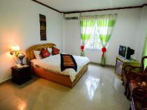 Douangpraseuth Hotel: guest room