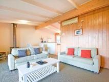 Beacon Point Ocean View Villa: guest room