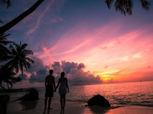 Stingray Beach Inn Maldives Islands - Sunset at the beach