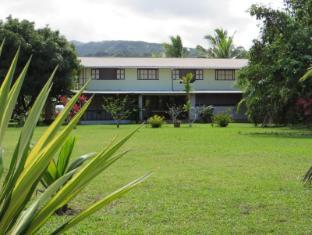/taharuu-surf-lodge/hotel/tahiti-pf.html?asq=vrkGgIUsL%2bbahMd1T3QaFc8vtOD6pz9C2Mlrix6aGww%3d