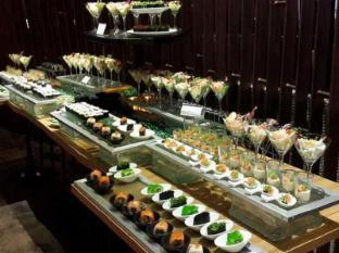 GLOW Pratunam Hotel Bangkok - Food and Beverages