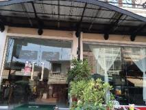Lao Silk Hotel: entrance