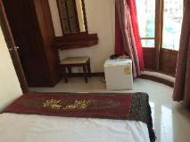 Lao Silk Hotel: guest room