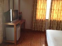 Dokphetsavanh Hotel: guest room