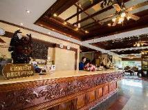Hoong Thip Hotel: interior