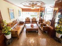 Hoong Thip Hotel: reception