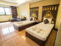 Hoong Thip Hotel: guest room