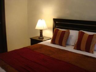 Fort Crescent Suites Manila - Guest Room