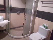 Senesothxuen Hotel: bathroom
