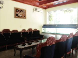 Royal White Elephant Hotel Yangon - Lobby