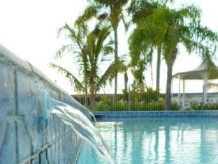 Castle Motor Lodge Whitsunday Islands - Swimming Pool