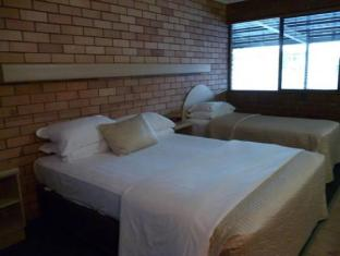 Castle Motor Lodge Whitsunday Islands - Hotellihuone