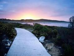 Schulphoek Seafront Guesthouse & Restaurant | Cheap Hotels in Hermanus South Africa