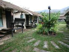 Apple Camp Khao Yai Resort | Cheap Hotel in Khao Yai Thailand