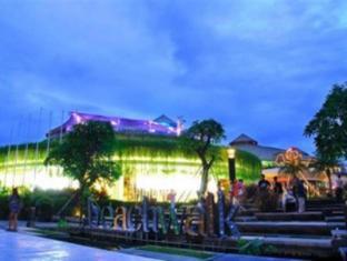 Bemo Corner Guest House Bali - Persekitaran