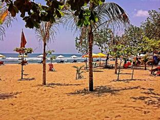 Bemo Corner Guest House Bali - plaža
