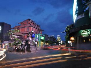 Bemo Corner Guest House Bali - Surroundings